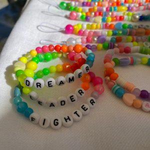 Lot trois bracelets DREAMER