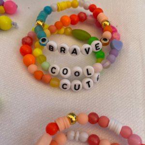 Lot trois bracelets BRAVE